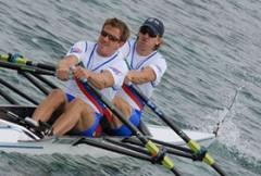 barca-da-canottaggio-doppio-di-coppia-da-competizione-230234.jpg